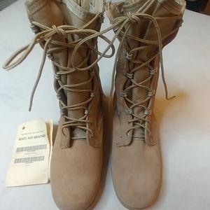 Welco Mens hot weather desert boots sz 5.5 XW